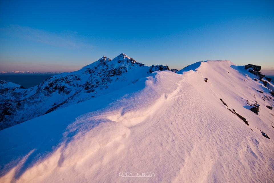 steinstinden lofoten islands mountain hiking